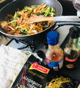 Sweet chilli no chicken stir fry (vegan)